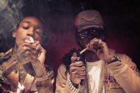2 chainz smoking